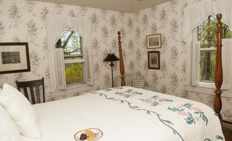 Room 1 - Orchard Inn